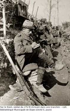 WW1, French soldier of the 27e RI writes a letter. - Coll Bibliothèque…