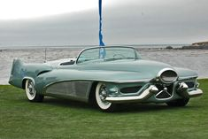Photographs of the 1951 Buick LeSabre Concept. An image gallery of the 1951 Buick LeSabre Concept. Cadillac, Retro Cars, Vintage Cars, Auto Vintage, Carros Retro, Automobile, Buick Cars, Buick Lesabre, Old School Cars