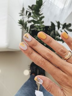 amazing nail polish color trends youll want to have all year nails 1 Minimalist Nails, Stylish Nails, Trendy Nails, Picasso Nails, Subtle Nails, Dream Nails, Yellow Nails, Nail Polish Colors, Short Nails