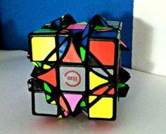 Y empieza la nueva serie ;) esta vez le toca a los difíciles venir al blog del cubo. Visita el blog del cubo y descubre el dreidel...