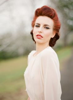 My, 1940s Inspired hairstyle, so stunning! #1940's #hairstyles