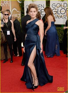 Amber Heard in Atelier Versace at the Golden Globes 2014 Red Carpet