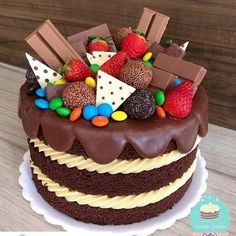 ideas fruit cake ideas birthday dessert recipes for 2019 Birthday Desserts, Birthday Cake, Cake Recipes, Dessert Recipes, Dessert Food, Candy Cakes, Cake Boss, Partys, Drip Cakes