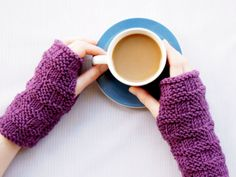 Simple knitted armwarmers pattern