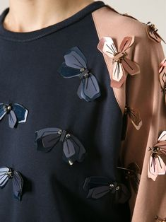 LANVIN embellished sweatshirt - Another! Look Fashion, Fashion Details, Diy Fashion, Womens Fashion, Fashion Design, Fashion Ideas, Vintage Fashion, Fashion Outfits, Couture Embroidery