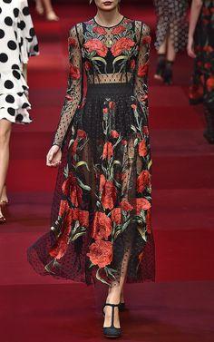 Картинки по запросу Dolce & Gabbana Dotted Tulle Carnation Embroidered Dress