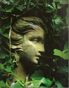 Garden statue with Ivy Dream Garden, Garden Art, Garden Design, Enchanted Garden, Parcs, Garden Ornaments, Belle Photo, Garden Inspiration, Beautiful Gardens