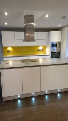 My beautiful new kitchen! Yellow glass splashbacks ♡