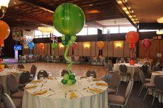 Balloon Centerpieces - Art Bat Mitzvah Party - by Balloon Artistry… Bat Mitzvah Centerpieces, Balloon Centerpieces, Balloon Decorations, Table Decorations, Purple Party, Gold Party, Bar Mitzvah Party, Birthday Bash, Birthday Parties
