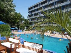 Set amid an area of 33 ft on a peaceful private property and offering free access to a seasonal outdoor pool with sunbeds Hotel Sunquest is set in. Hotel Sunquest Venus Romania R:Constanţa County hotel Hotels Outdoor Pool, Outdoor Decor, Private Property, Venus, Cool Pictures, Romania, Travel, Home Decor, Free