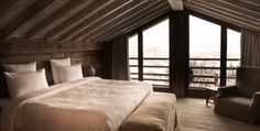 Fancy staying at a cozy and luxurious chalet while skiing in the French Alps? Then book Le Chalet Zannier asap.