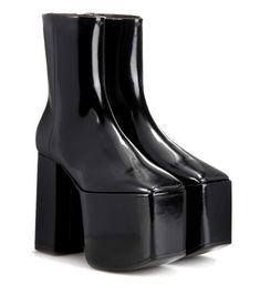 BALENCIAGA Leather Platform Ankle Boots. #balenciaga #shoes #boots