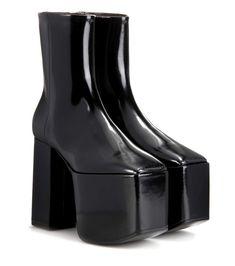 BALENCIAGA Leather Platform Ankle Boots. #balenciaga #shoes #boots