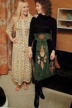 Folksy Agnetha and trendy Frida at Agnetha & Bjorn's house in Another clear example of how much they hated each other. 70s Inspired Fashion, 70s Fashion, Vintage Fashion, Hindus, Abba Mania, Swedish Women, The Most Beautiful Girl, Female Singers, King Queen