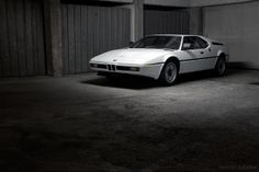 1980 BMW M1. 277 HP, 3453 cc, 6 cylinder engine. 1300 kg. Top speed: 262 km/h.