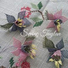 M Textiles, Needle Lace, Textile Jewelry, Lace Flowers, Knots, Elsa, Needlework, Christmas Wreaths, Holiday Decor
