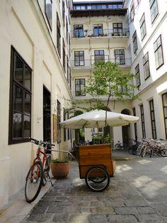 Wien - Durchgang Neustiftgasse