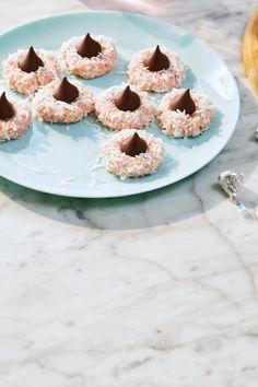 Candy Recipes, Sweet Recipes, Cookie Recipes, Dessert Recipes, No Bake Treats, Yummy Treats, Sweet Treats, Easy Desserts, Delicious Desserts