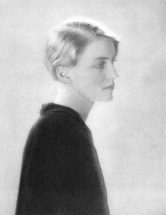 Lee Miller, Portrait 1928