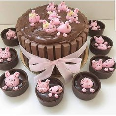 Pig in the mud by Its so original and creative. Pig Cupcakes, Cupcake Cakes, Pigs In Mud Cake, Farm Birthday Cakes, Girl Birthday, Piggy Cake, Farm Cake, Animal Cakes, Girl Cakes