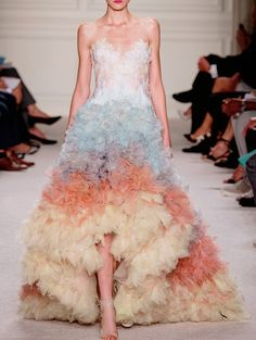 Marchesa Spring/Summer 2016 Ready-To-Wear New York Fashion Week New York Fashion, Fashion Week, Fashion Show, Fashion Design, Style Haute Couture, Couture Fashion, Runway Fashion, Couture Week, Marchesa Bridal
