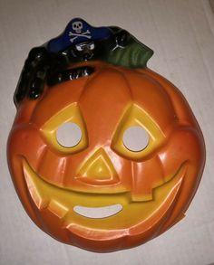 Vintage Hallmark Plastic Halloween Face Mask Jack-o'-lantern & Spider 1984 #Unbranded #FaceMasks Halloween Face Mask, Jack O, Pumpkin Carving, Spider, Lanterns, Plastic, Character, Vintage, Art