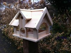 birdhouses Bird'S Villa Birdhouse Type Country house, a Birdhouse in size XXL. This huge Birdhouse is lovingly Handmade From pine wood.