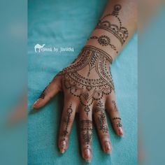 Beautiful Intricate Natural Henna / Mehndi on hand and arm . Henna by Jorietha Henna Arm, Henna Hands, Cool Henna Designs, Moroccan Henna, Modern Henna, Hand Mehndi, Natural Henna, Bridal Henna, Henna Artist