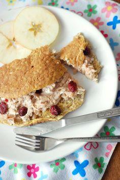 Moje Dietetyczne Fanaberie: Owsiany omlet z jabłkami i żurawiną Sweet Breakfast, Breakfast Recipes, Breakfast Ideas, Good Food, Healthy Recipes, Diet, Desserts, Weight Loss, Inspire
