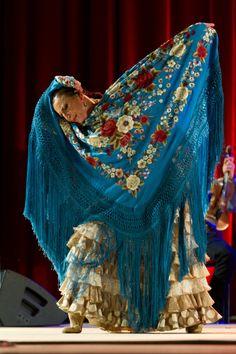NOCHE FLAMENCA à Roubaix | La vie de la classe Espagne, la Sagesse Haubourdin (59) LA LUPI Latin Dance, Dance Art, Flamenco Dancers, Flamenco Dresses, Gypsy Culture, Visual And Performing Arts, Dance Like No One Is Watching, Spanish Fashion, Shall We Dance
