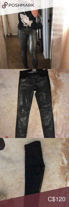 Size never worn. Print in front, solid black in back Current/Elliott Jeans Skinny Plus Fashion, Fashion Tips, Fashion Trends, Solid Black, Jeans Size, Mint, Skinny Jeans, Printed, Closet