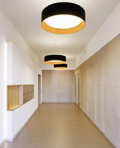 Modern Home Corridor Design That Inspire You 45 Modern Home Corridor Design Tha. Modern Home Corridor Design That Inspire You 45 Modern Home Corridor Design That Inspire You 45 # Design Entrée, Flur Design, Lobby Design, House Design, Design Trends, Lobby Interior, Apartment Interior, Interior Architecture, Apartment Ideas