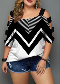 Plus Size Ladder Cutout Sleeve Chevron Print Blouse Plus Size Blouses, Plus Size Tops, Plus Size Women, Plus Size Casual, Plus Size Outfits, Grey Suit Black Shirt, Plus Size Rocker, Curvy Fashion, Plus Size Fashion