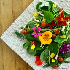 25 Ways to Put Springtime Flowers on the Table/ The View from Great Island