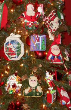 tree with needlepoint ornaments Don Lynch's house (Associated Talents) - Living with Needlepoint