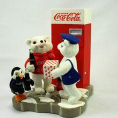 Coca Cola Polar Bear Issue 2000 The Rewards Of Membership Figurines - New Coca Cola Cake, Coca Cola Polar Bear, Coca Cola Addiction, Christmas Village Accessories, Coca Cola Christmas, Baby Polar Bears, Coca Cola Bottles, Vintage Coke, Boyds Bears