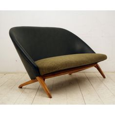 Theo Ruth VINTAGE: 1034 Groene Congo. Home decor design furniture chair