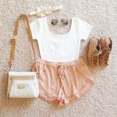 Summer outfit. Summer fashion. Teen fashion. Outfit. Fashionable. Brown sandals. Flip flops. White tank top. White and tan handbag. Fashion handbag. Casual outfit. Pink shorts. Salmon cotton shorts. Sunglasses. Hipster. Flower headband