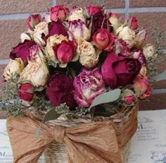 Trucos para limpiar flores secas