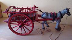 Homenaje a Julian Hernando Cazorro. Gracias por este juguete que regalasteis a mi hijo Sergio, y espero que en el Cielo exista un taller para continuar con tu obra.