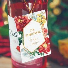Kwieciste zawieszki na wódkę dopełnią ślubną aranżację i pomogą odnaleźć gościom właściwe trunki na stołach! #kolekcjaflora #kolekcjaslubna #zawieszkislubne #zawieszkinawodke #slub #wesele Flora, Wine, Drinks, Bottle, Liquor, Drinking, Flask, Drink, Cocktails