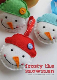 Simple Snowman DIY Ornament is part of Simple Snowman crafts - The Simple Snowman DIY Ornament is a great project to make yourself or with a little helper Take any scraps of felt from your stash and put them to use on these quaint DIY felt ornaments Felt Snowman, Snowman Crafts, Felt Crafts, Holiday Crafts, Thanksgiving Holiday, Felt Christmas Ornaments, Handmade Christmas, Christmas Crafts, Snowman Ornaments