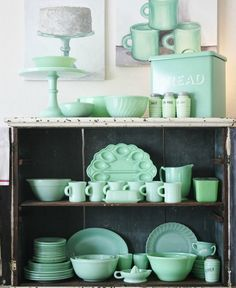 Love all of that gorgeous green dishwater.
