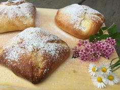 Bread Rolls, Sweet Recipes, Cravings, Bakery, Food And Drink, Strudel, Desserts, Minis, Donuts