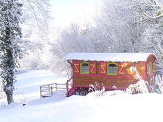 roulotte sous la neige