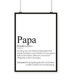 """Papas haben wirklich unzählige Aufgaben. Das beweist auch unsere Definition von """"Papa"""". Papas sind Alleskönner, Beschützer, Geschichtenerzähler und stets der Fels in der Brandung. Aber auch als Fußballpartner, Hausmeister oder Monstervertreiber erledigen sie stets einen tollen Job. Mit unserem personalisierbaren Fine Art Print könnt auch ihr diesem Superman einfach mal """"Danke"""" sagen. Und natürlich haben wir auch für die Mamas die passende Geschenkidee als personalisierten Kunstdruck:"""