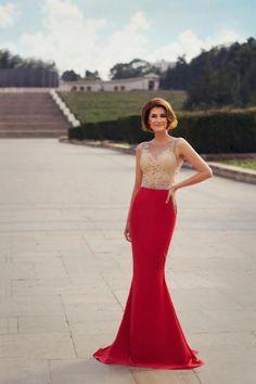 Rhea Costa lanseaza colectia Iuliana Tudor