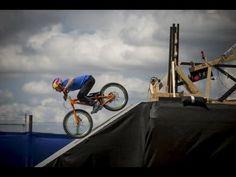 The Athlete Machine - Red Bull Kluge. Amazing Rube Goldberg machine starring 11 champion athletes doing awesome stunts Red Bull, Sports Clips, Tv Ads, Workout Machines, Soul Music, Extreme Sports, Marketing, Stunts, Advertising