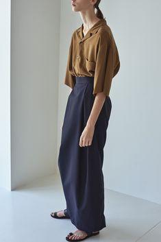 Expert Fashion Advice For The Stylish Consumer – Designer Fashion Tips Look Fashion, Autumn Fashion, Womens Fashion, Fashion Design, Fashion Advice, Fashion Brands, Japanese Fashion, Japanese Minimalist Fashion, Minimal Fashion