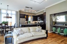 This top-floor 2-bedroom apartment in Lakeview has an open floorplan and a gas fireplace.